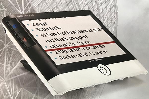 携帯型拡大読書器